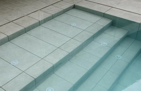 Coronaci n en porcel nico coronaci n piscina for Coronacion de piscinas