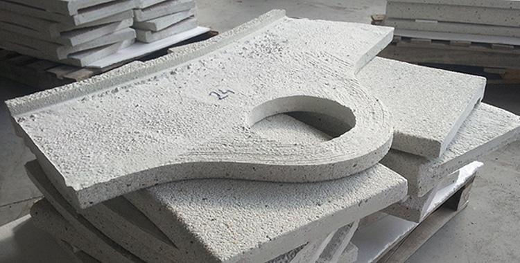 Coronación de piscina a medida, con las piezas numeradas para facilitar el montaje en obra.