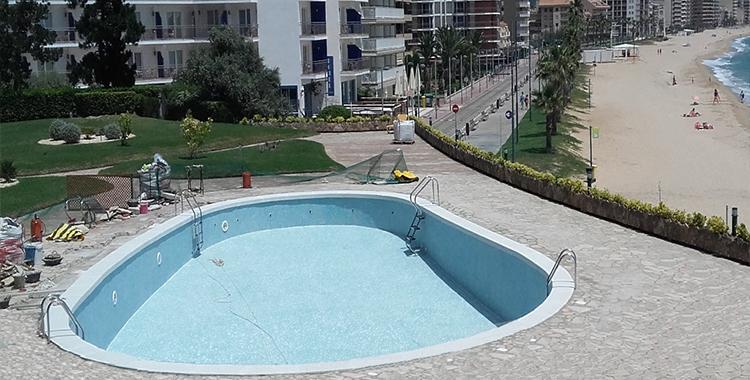 Coronaci n piscina especialistas en coronaci n de piscinas for Coronacion de piscinas